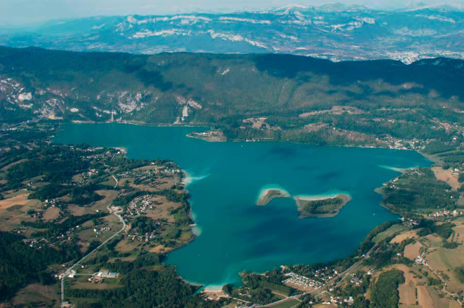 Camping Lac DAiguebelette En Savoie  Camping Des Chavannes